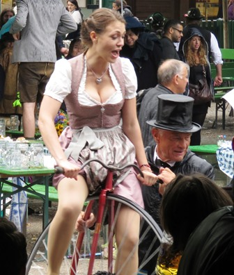 img_5179-old-time-bicycle-atracted-the-brave