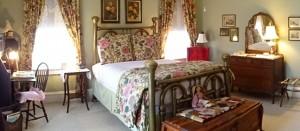 Garden Room- The best of Amanda Gish House's 3 Bedrooms